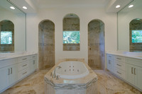 2071 Mockingbird master bath.jpg