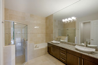 1123 Piccadilly Master Bath.jpg
