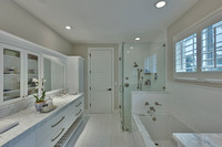 2550 Estate Dr master bath-2