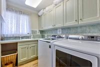 17146 Bay St Laundry Room