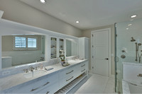 2550 Estate Dr master bath 2-2