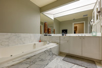 1401 Captains Way master bath