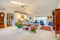 8039 SE Rivers Edge family room
