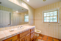 8039 SE Rivers Edge guest bath 2