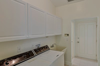 118 Victory laundry room