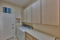 283 Sussex laundry room