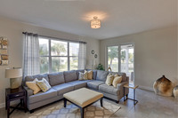 821 Bay Colony living area 3